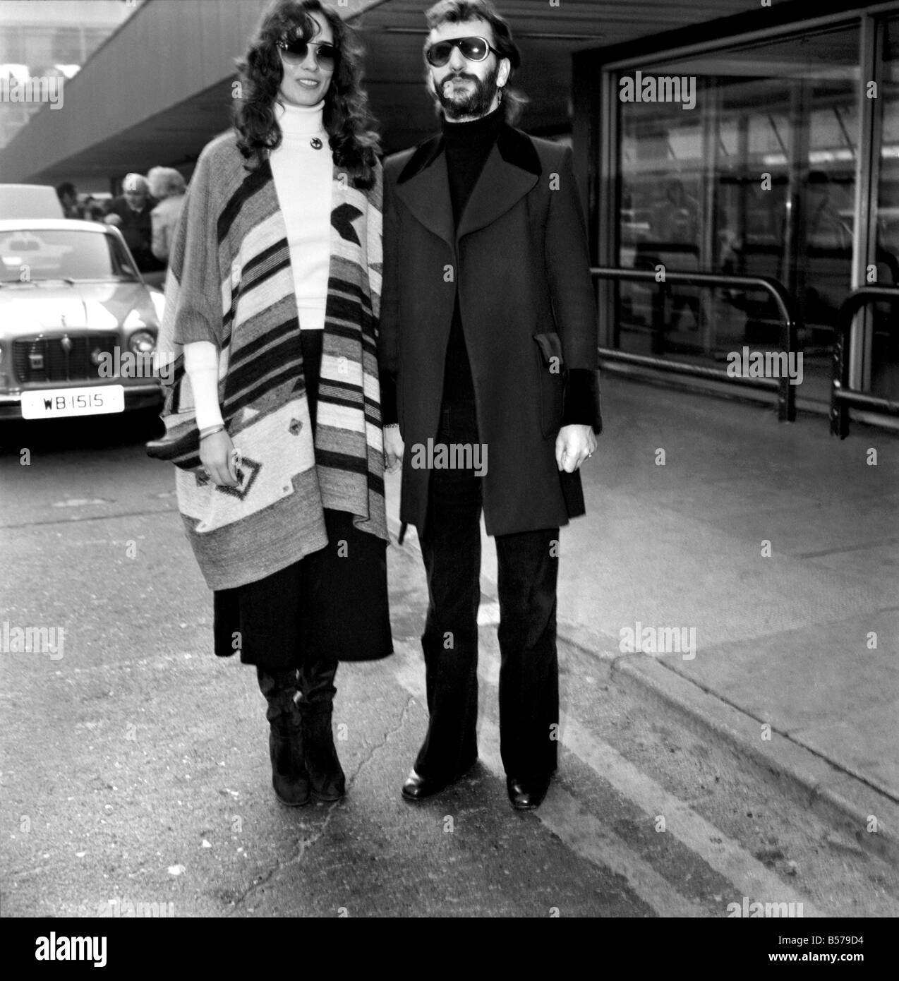 Former Beatle Ringo Starr And Girlfriend Nancy Andrews Seen Here At London Airport February 1975 75 00743 004