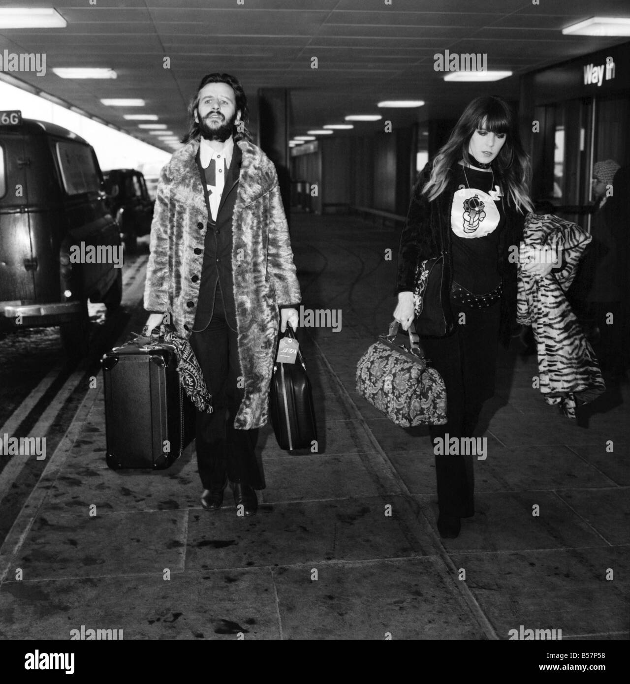 Ringo Starr And Wife Maureen At Heathrow Airport April 1971 71 3731 002