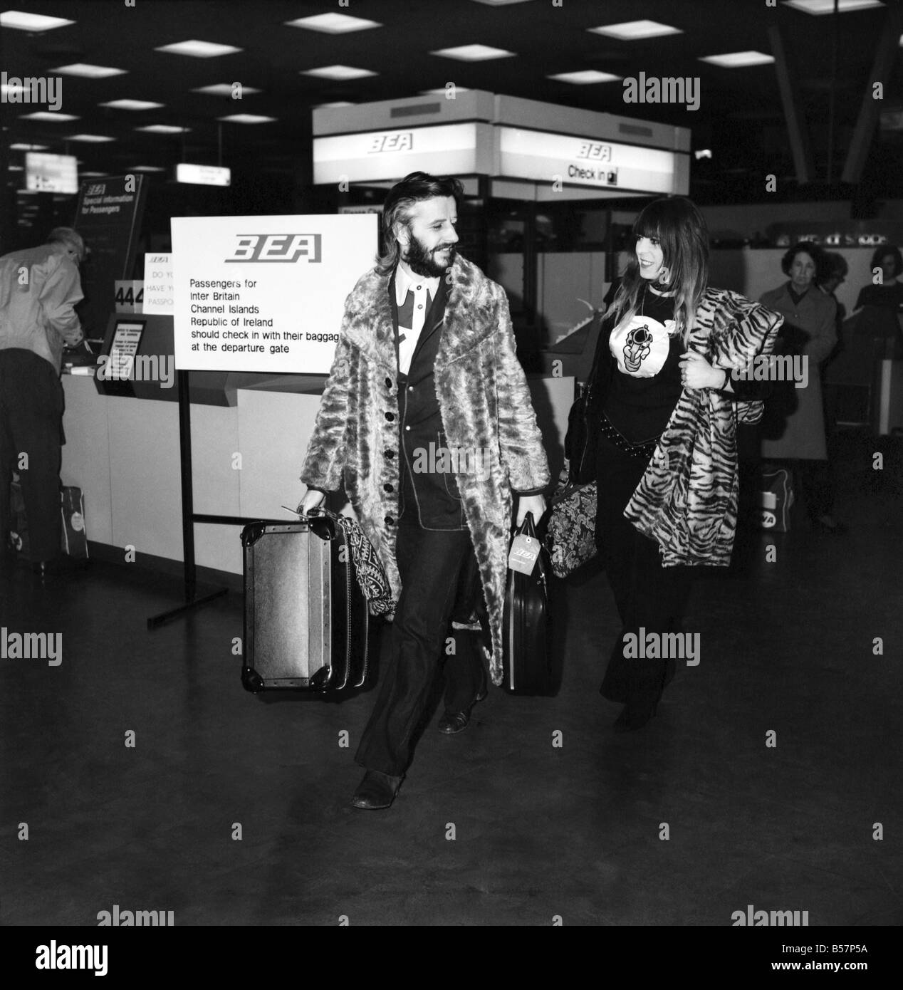 Ringo Starr And Wife Maureen At Heathrow Airport April 1971 71 3731