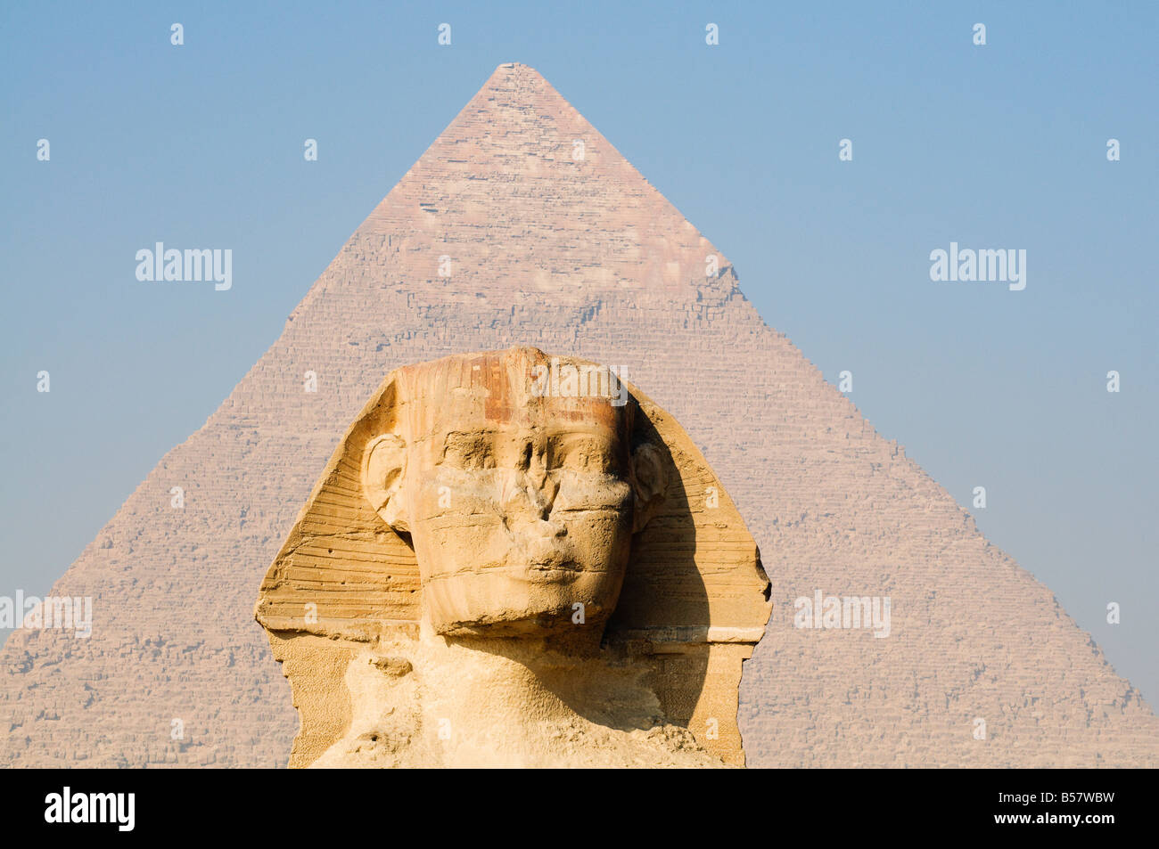 The Sphinx and the Pyramid of Khafre (Chephren), Giza, UNESCO World Heritage Site, near Cairo, Egypt, North Africa, - Stock Image