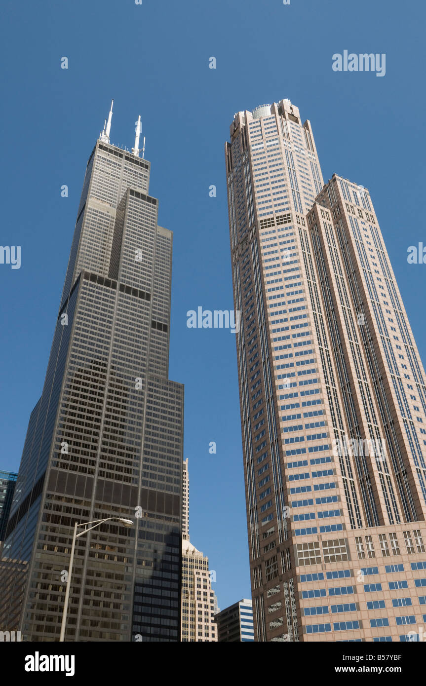 Sears Tower with white aerials, Chicago, Illinois, United States of America, North America - Stock Image