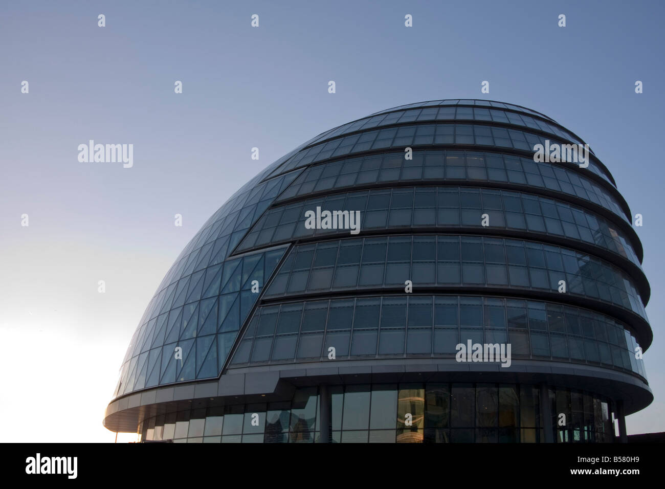 City Hall (London Assembly building) on Queens Walk, London, England, United Kingdom, Europe - Stock Image