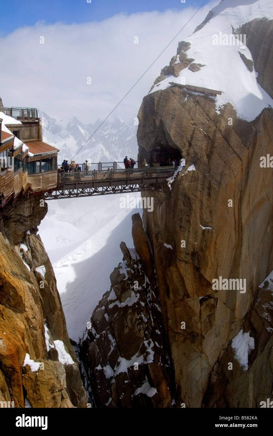 Viewing platform and walkway, Aiguille du Midi, Chamonix-Mont-Blanc, French Alps, France, Europe - Stock Image