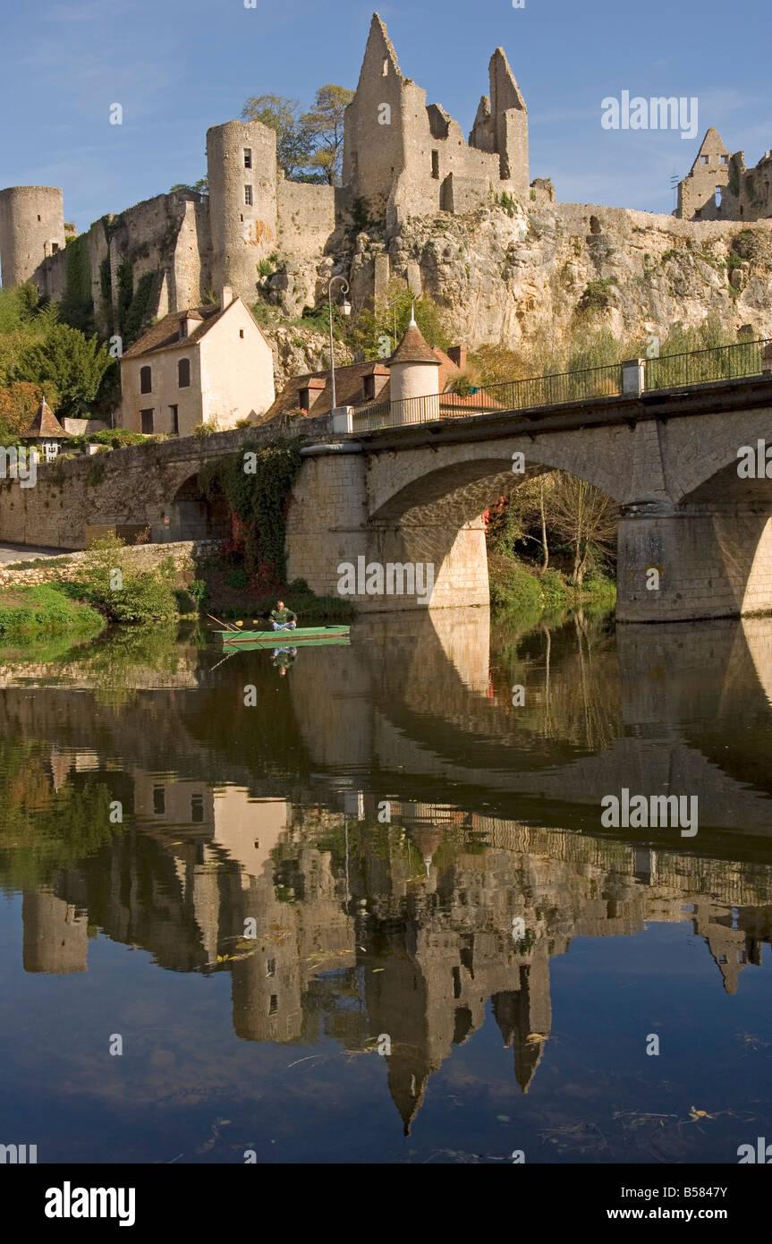 An angler on the Anglin river, Angles sur l'Anglin, Vienne, Poitou-Charentes, France - Stock Image