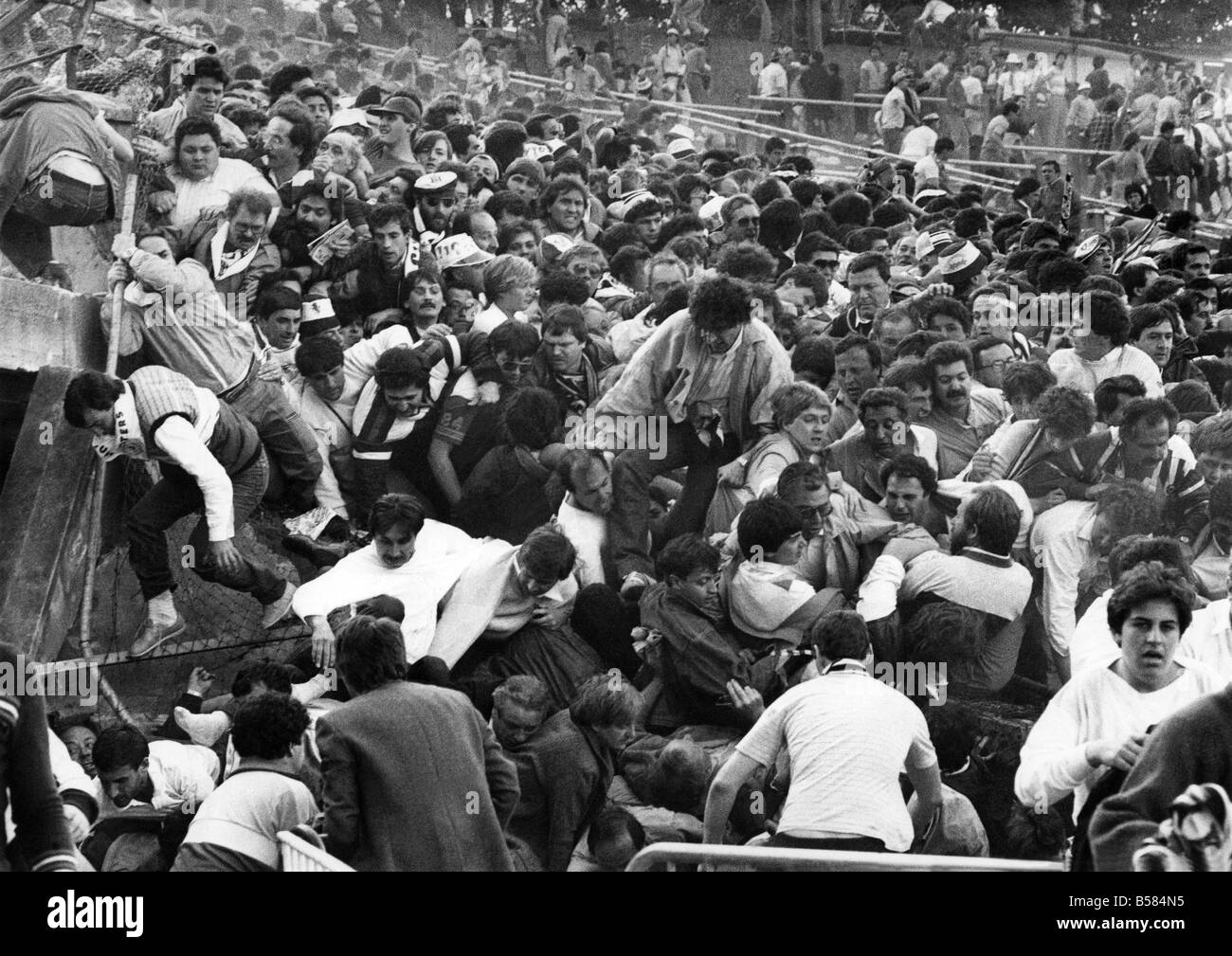 Liverpool Fc Supporters European Cup Final Liverpool And Juventus Stock Photo Alamy