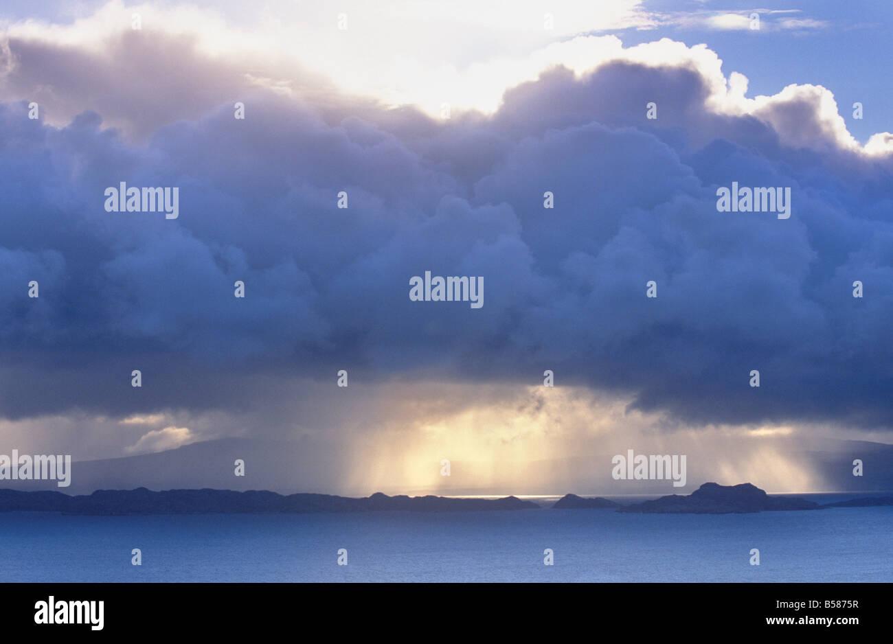 Stormy weather, Bornesketaig, Trotternish peninsula, Isle of Skye, Inner Hebrides, Highland region, Scotland, United - Stock Image