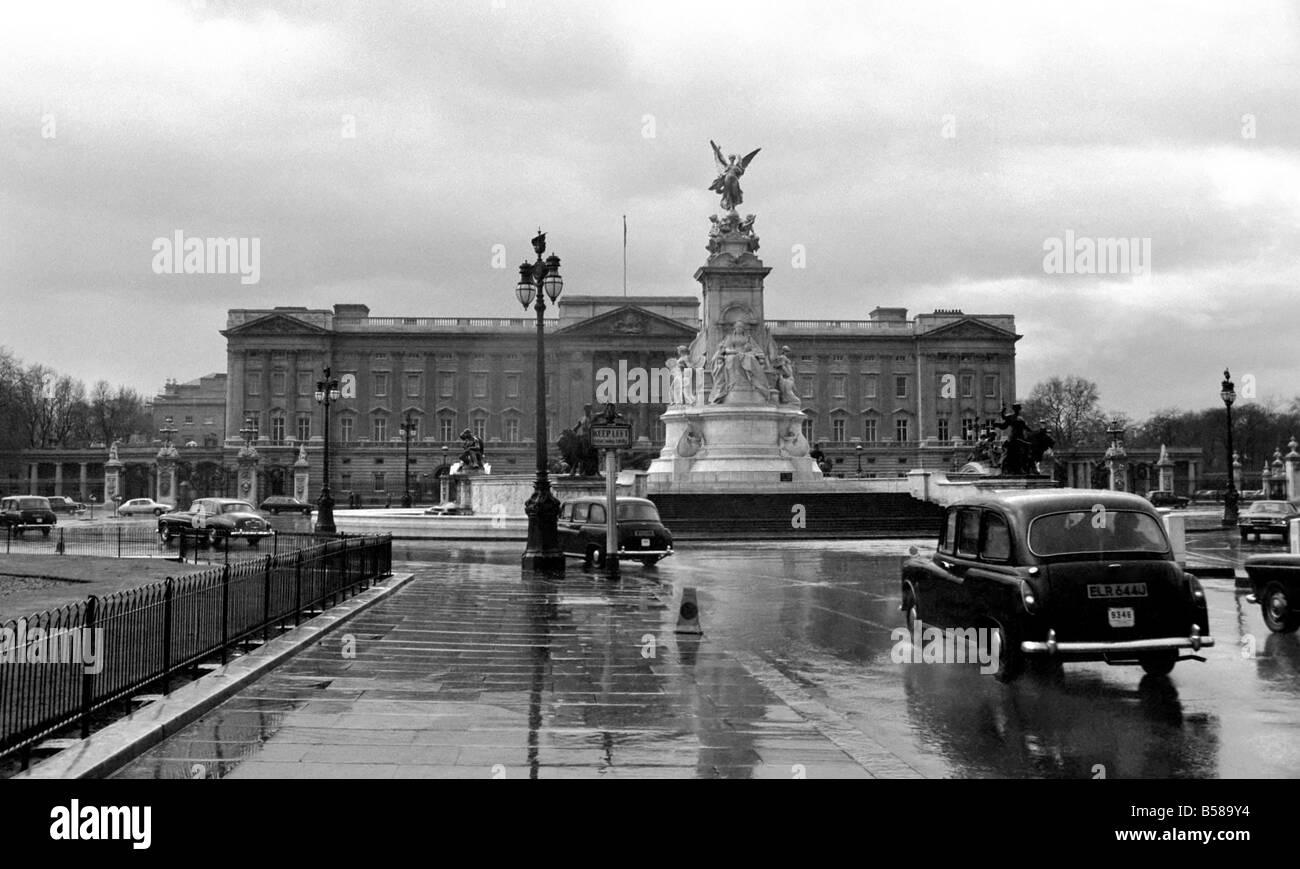 Buckingham Palace February 1975 75 00836 001 - Stock Image