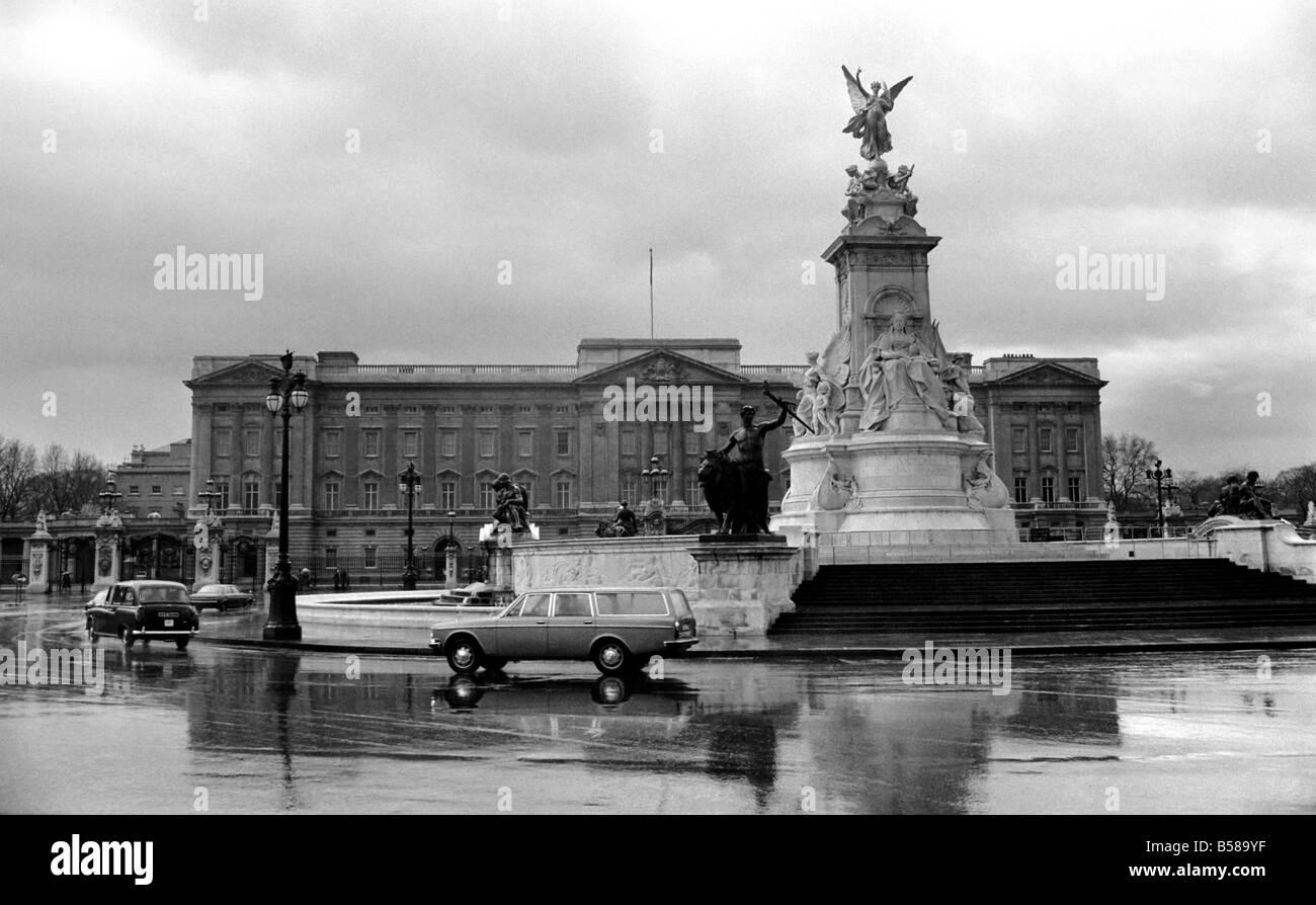Buckingham Palace February 1975 75 00836 - Stock Image