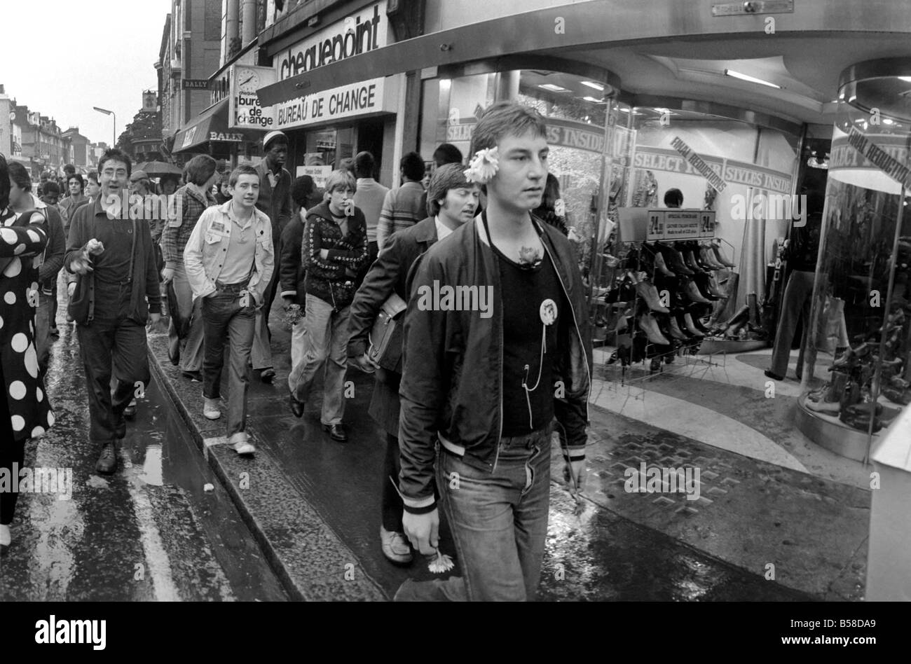 Youth Culture/Music/Police/Street scenes