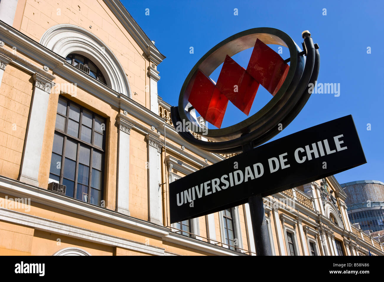 University of Chile (Universidad de Chile) and Metro sign, Santiago, Chile, South America - Stock Image