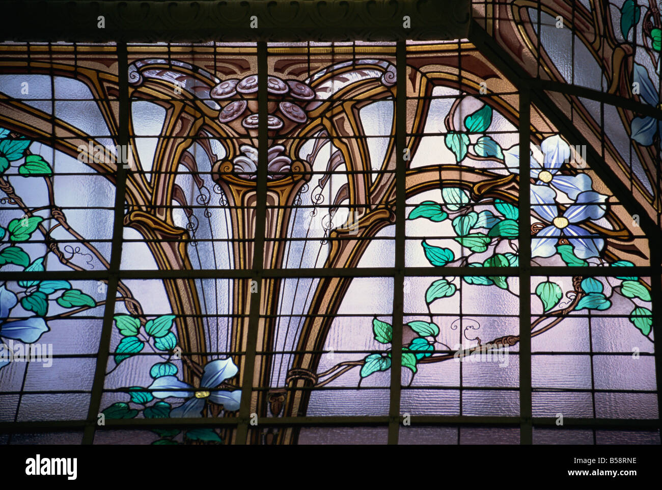 Stained glass roof by Jacques Gruber, Credit Lyonnaise Bank, Nancy, Lorraine, France, Europe - Stock Image