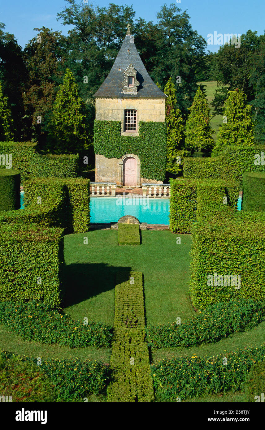 Pavillon de Repos and swimming pool, Les Jardins d'Eyrignac, Dordogne, Perigord, Aquitaine, France, Europe - Stock Image
