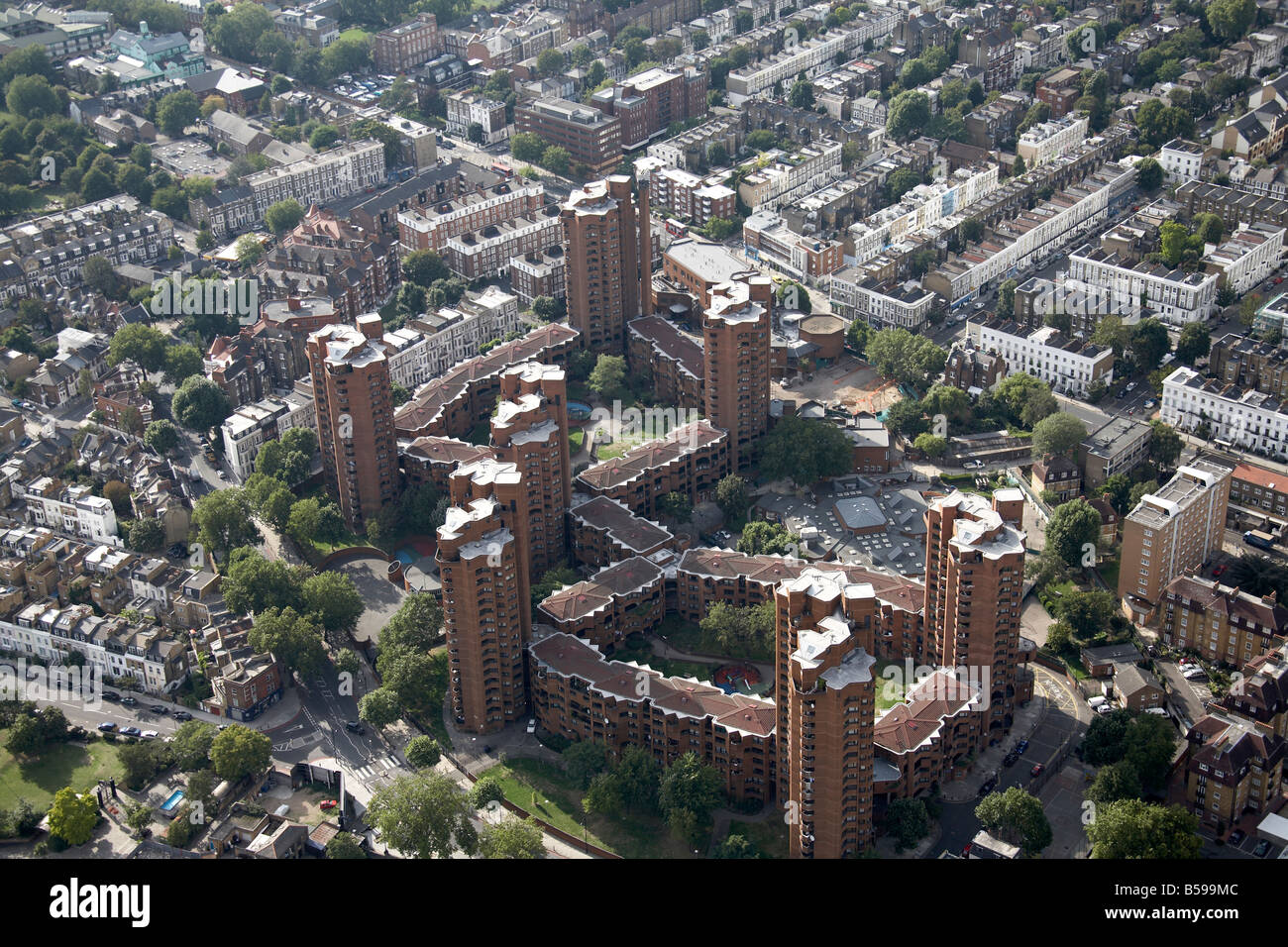 Aerial view north west of World s End Housing Estate tower blocks Cremorne Road Edith Grove King s Road Chelsea - Stock Image