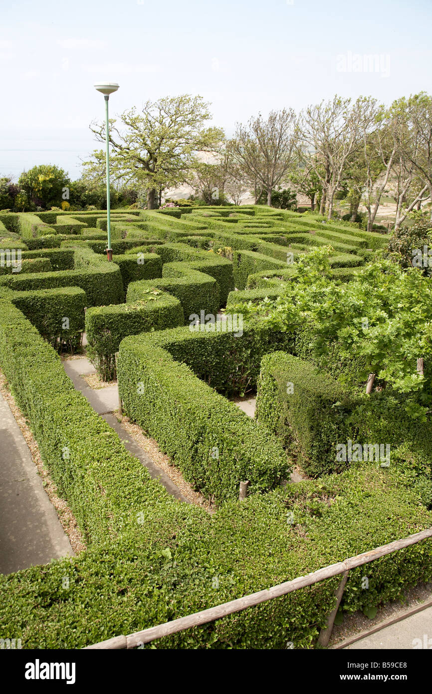Hedge maze in Blackgang Chine Fantasy Park Isle of Wight England UK Family and childrens visitor attraction - Stock Image