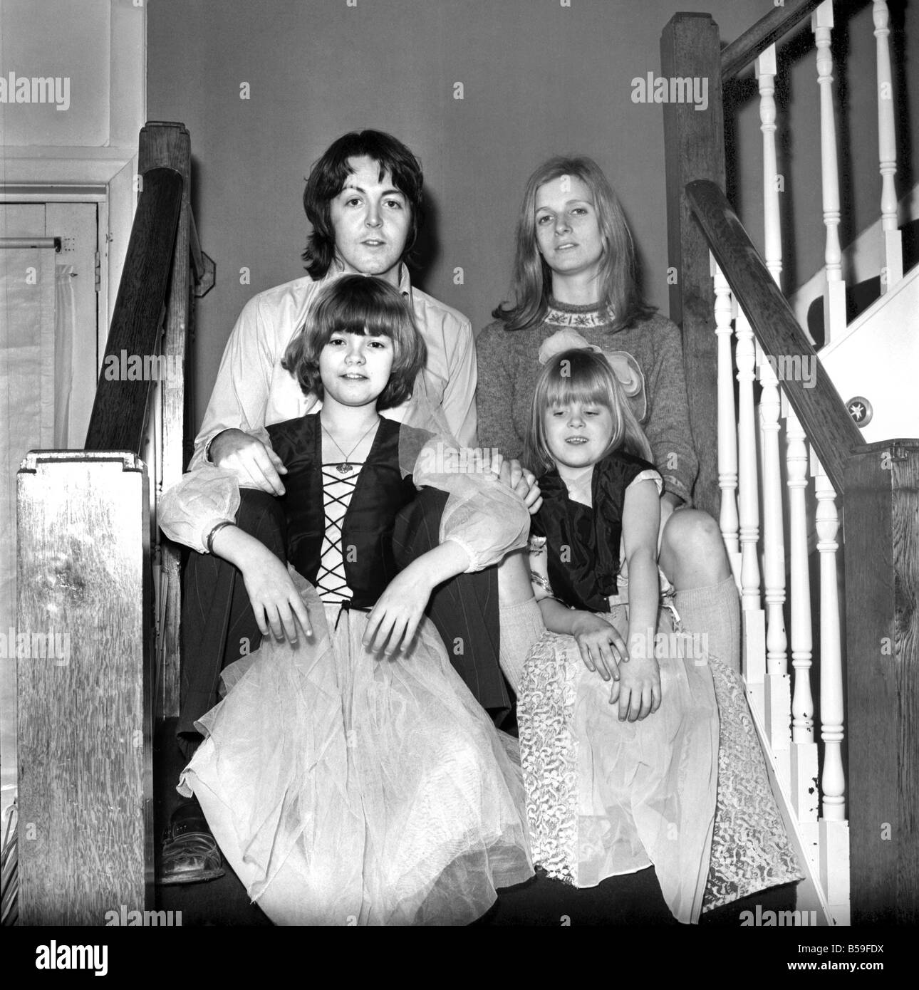 Beatles Singer Paul McCartney With His New Bride Linda Eastman And Children Aged 4 7March 1969 Z02435 001