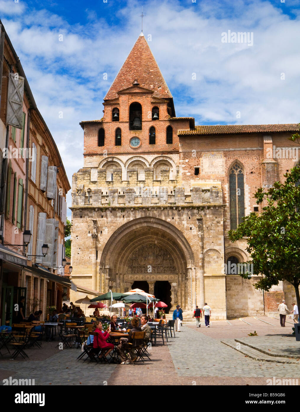 The Abbaye Saint Pierre de Moissac in Moissac, Tarn et Garonne, France, Europe - Stock Image