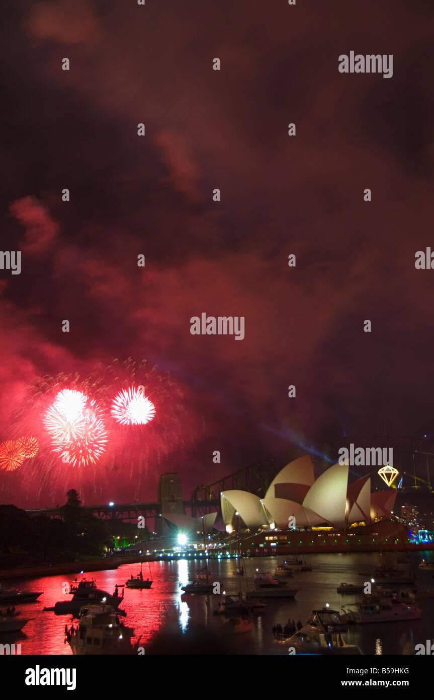 New Years Eve 06, Diamond Anniversary Firework Celebrations, Opera House and boats in Sydney Harbour, Sydney, Australia - Stock Image