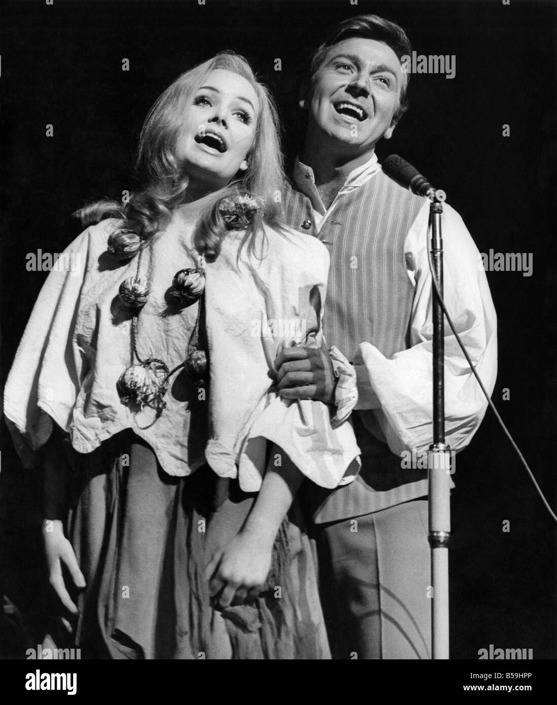 Cinderella Pippa Steel And Buttons Des OConner Pictured Singing During The Pantomime December 1967 P008100