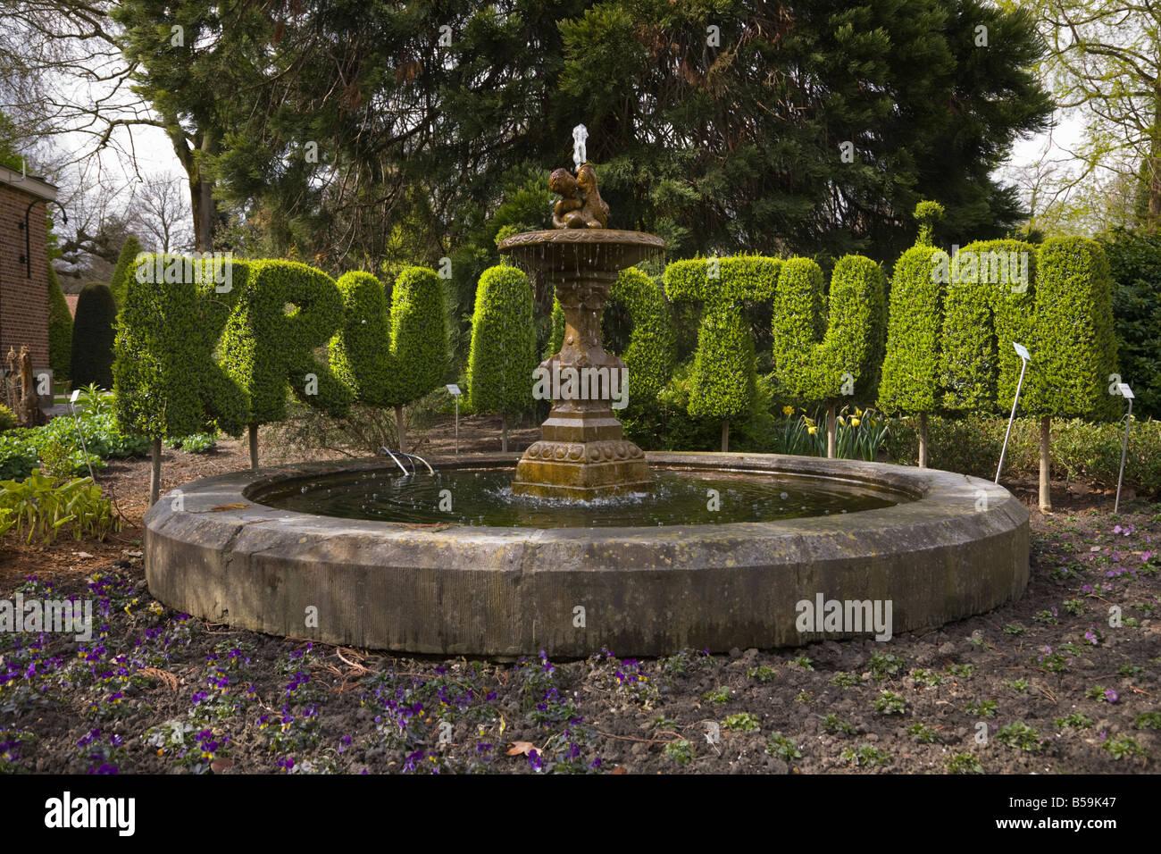 Topiary spelling the word Kruidtuin in Leuven Botanic Kruidtuin ...