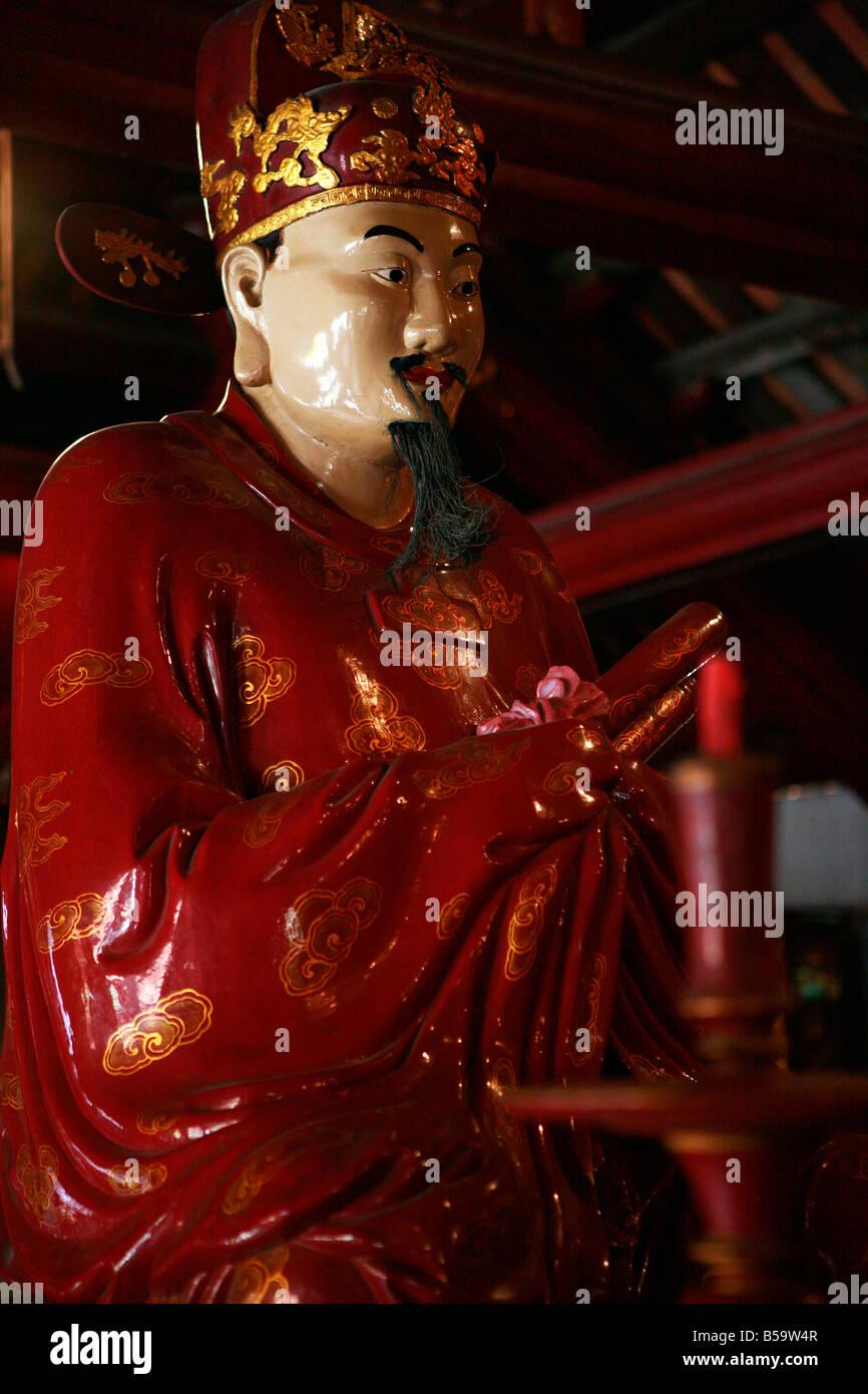 Statue at the Temple of Literature, Hanoi, Vietnam - Stock Image