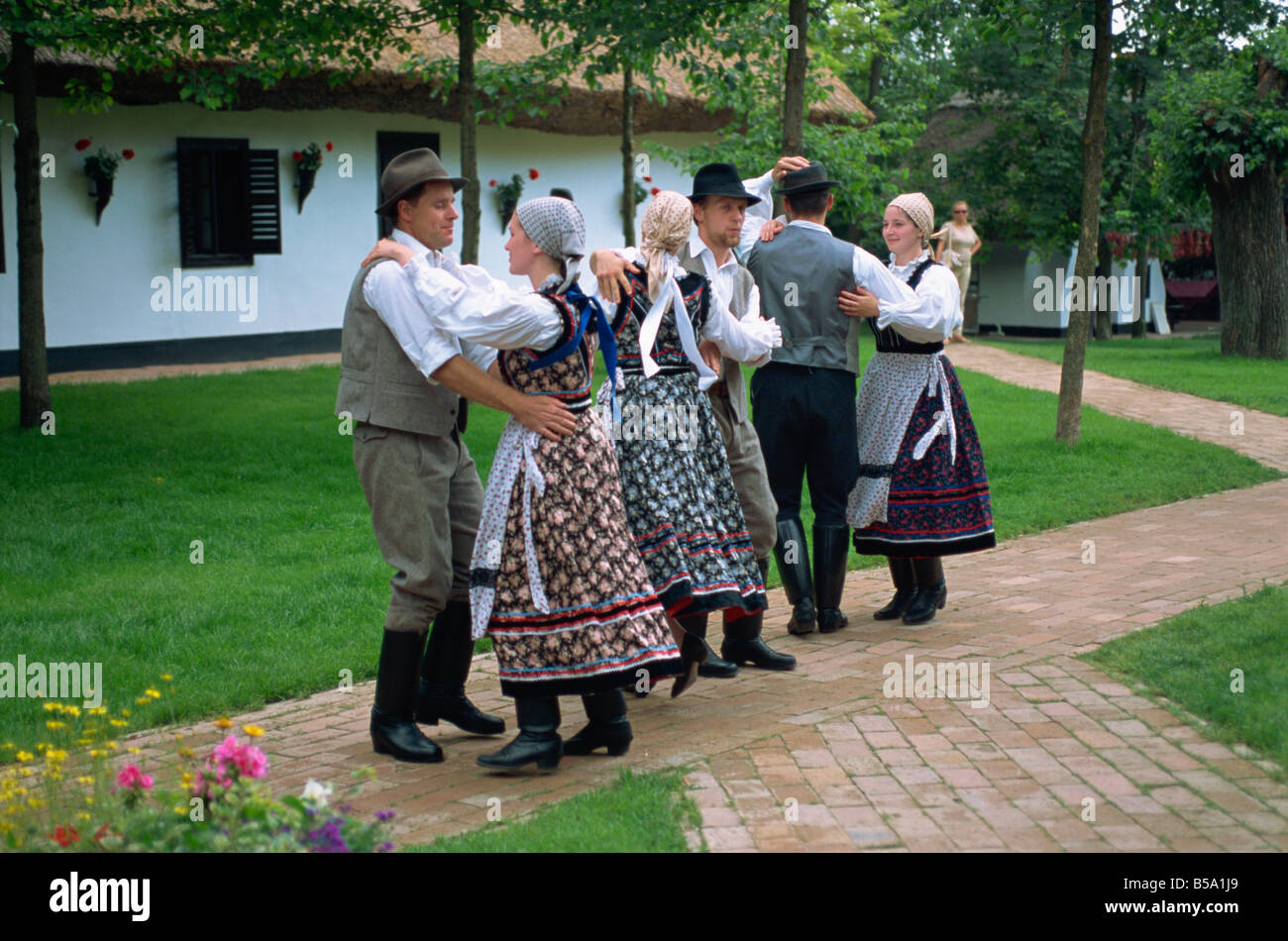 Folk dancing on Horse Farm in the Puszta, 70 miles south of Budapest, Hungary, Europe - Stock Image
