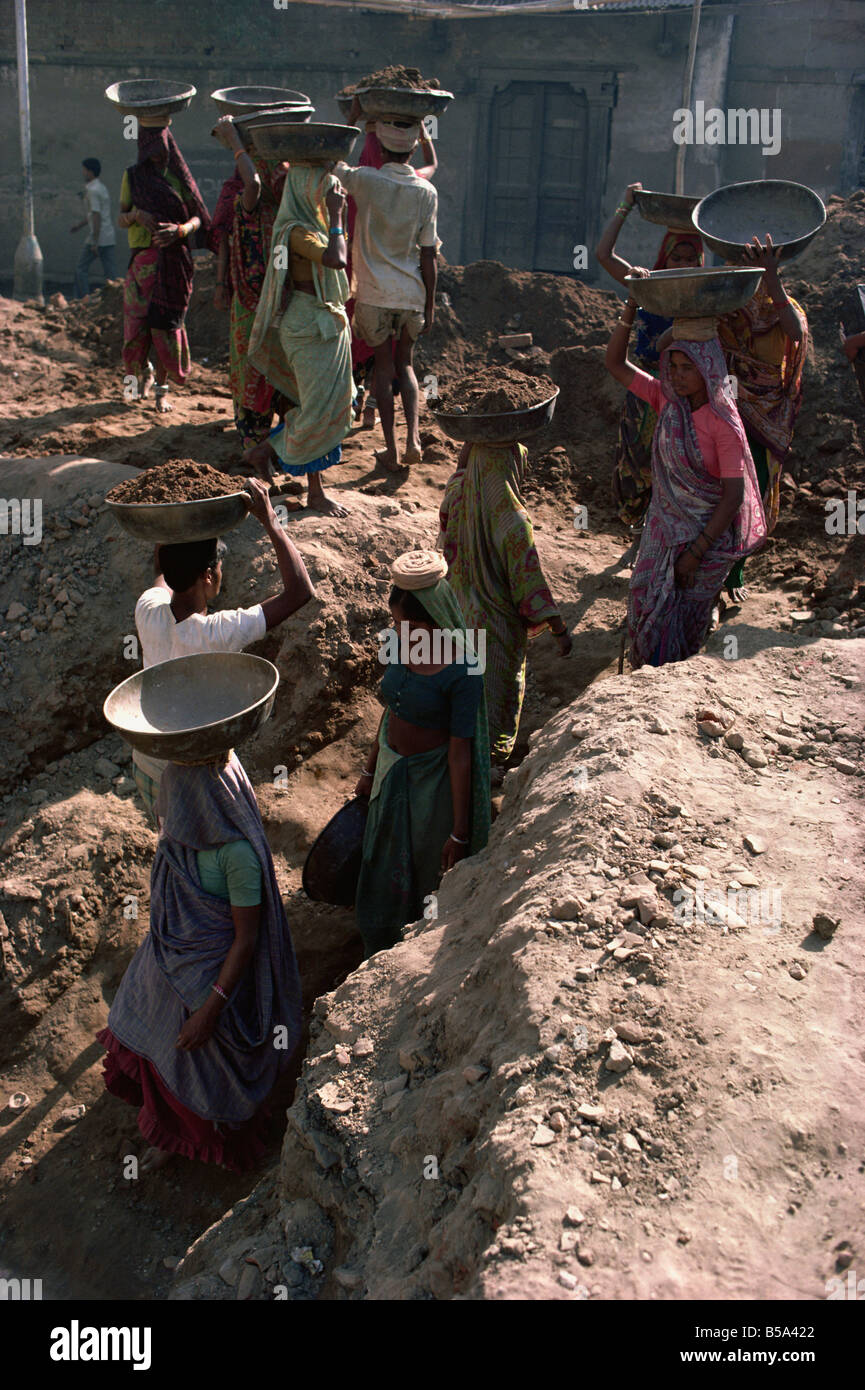 Female labourers on building site Ahmedabad Gujarat state India Asia - Stock Image