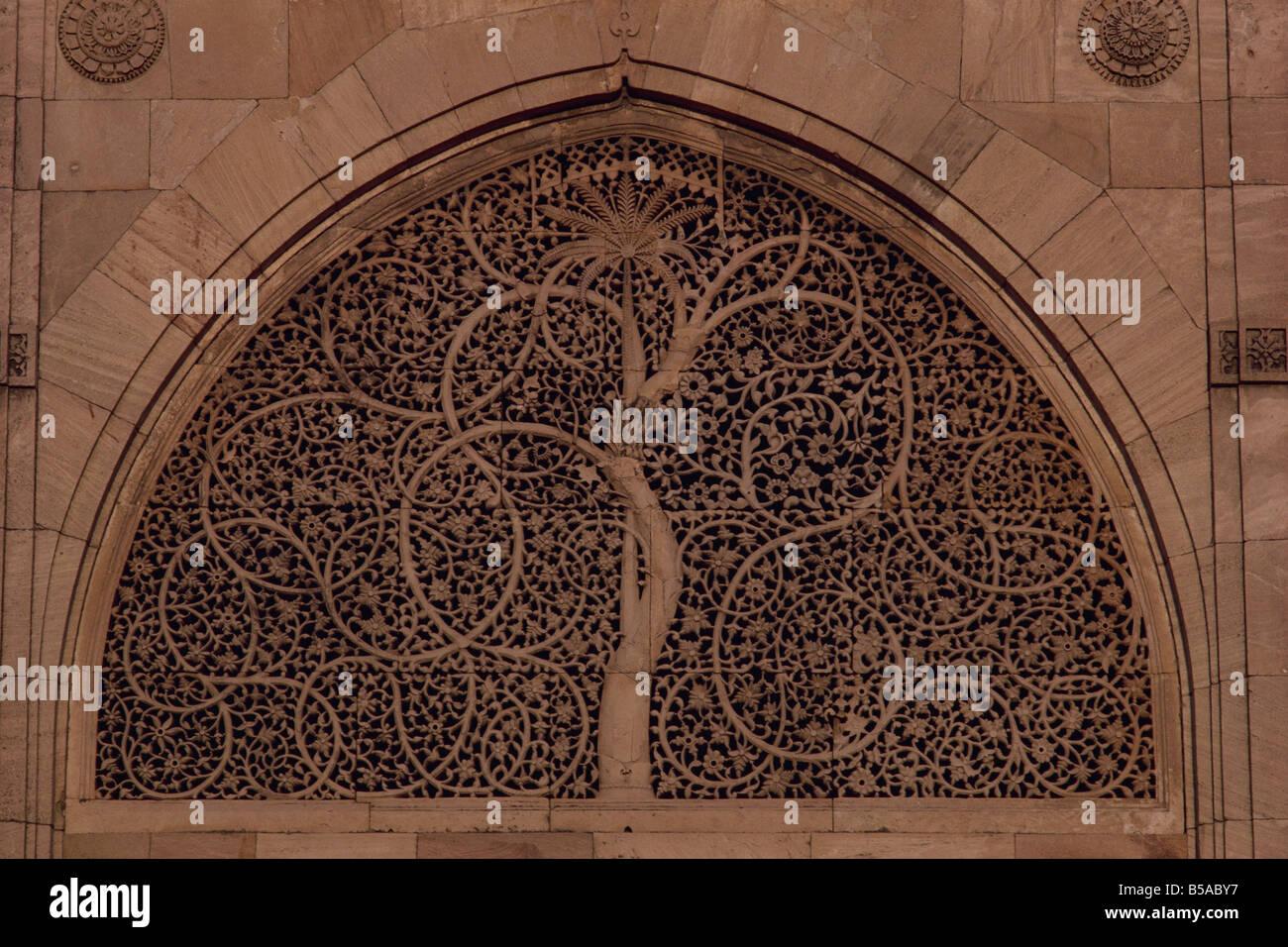 Close up of carved stone window Sidi Saiyad Mosque Ahmedabad Gujarat state India Asia - Stock Image