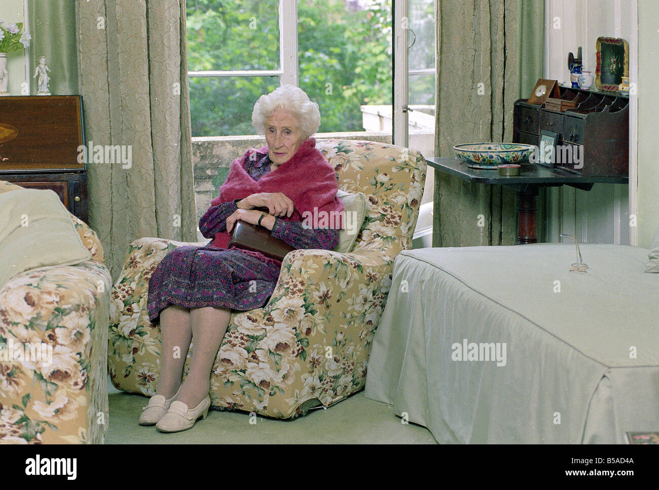 Frail old Lady holding her handbag Old people OAP OAPs Elderly Old Lady Sitting in A & Oap Lady Sitting In Chair Stock Photos u0026 Oap Lady Sitting In Chair ...