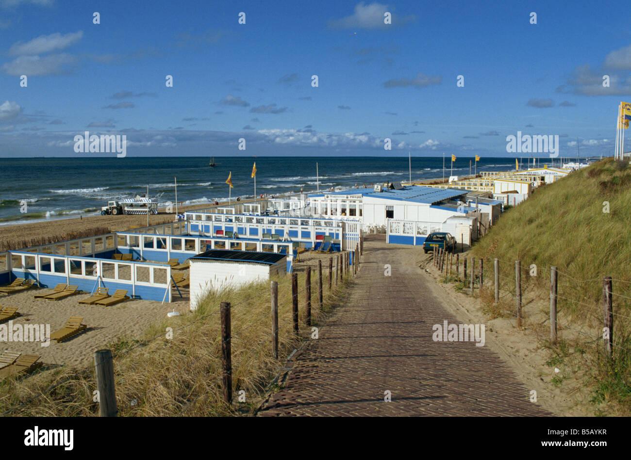Beach wind breaks, North Sea resort of Zandvoort, Netherlands, Europe - Stock Image