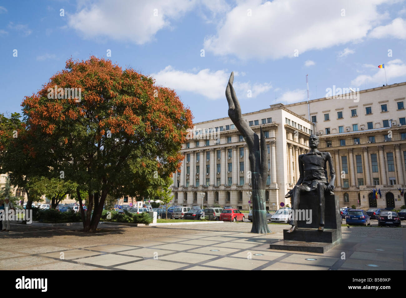 Hand and Broken Man bronze statue of 'Iuliu Maniu' in Revolution Square Piata Revolutiei in city centre. - Stock Image