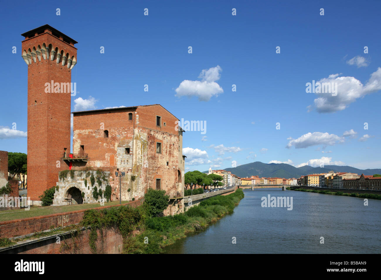 Torrre Guelfa and Fortezza Vecchia on the banks of the River Arno, Pisa, Italy. Stock Photo