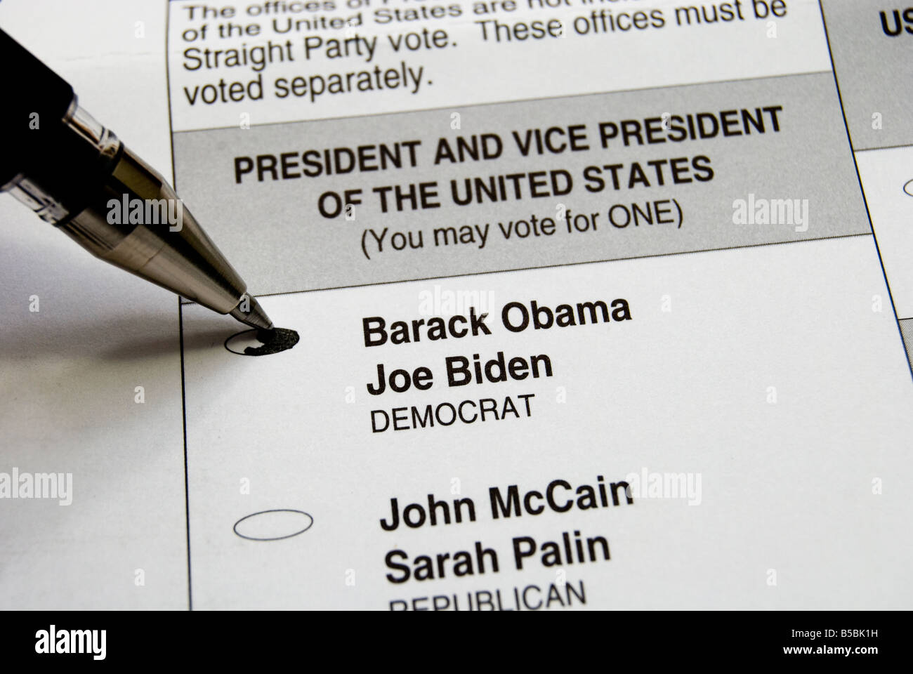 A pen selecting Barack Obama on a voting Ballot for the 2008 american presidential election - Stock Image