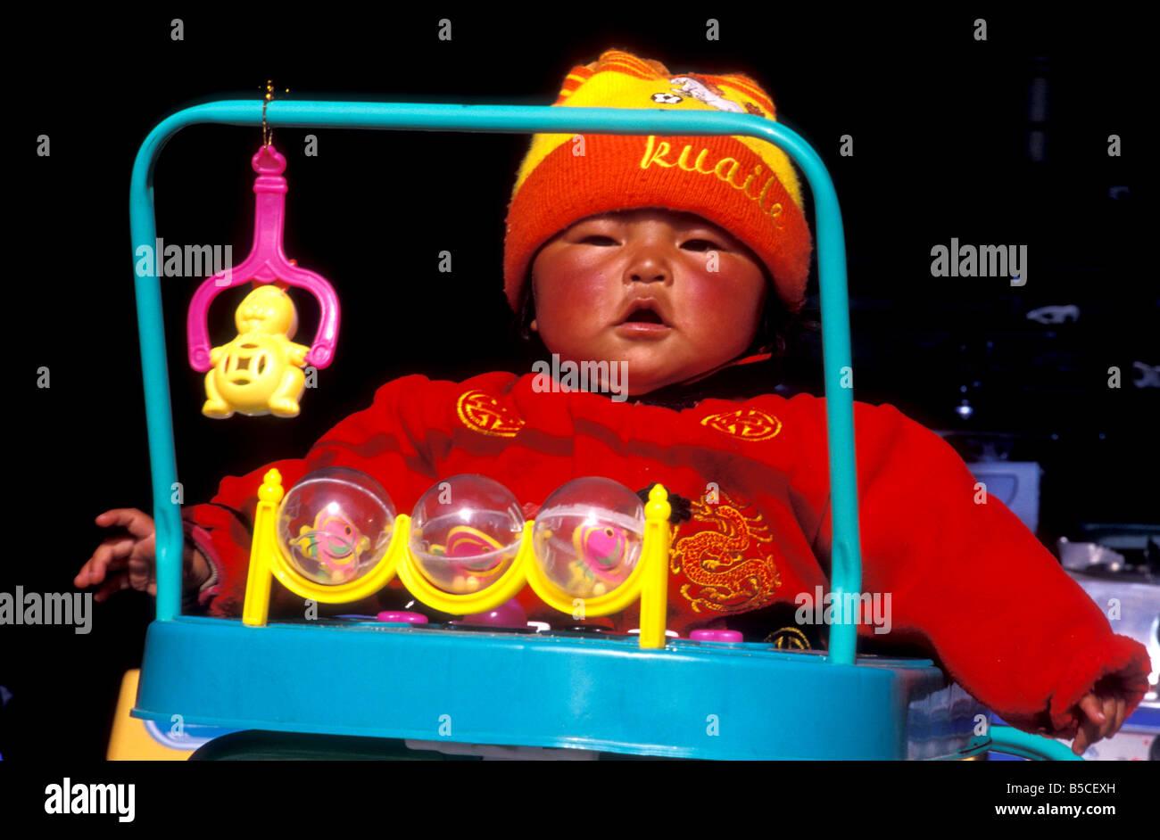 baby in gyantse tibet - Stock Image
