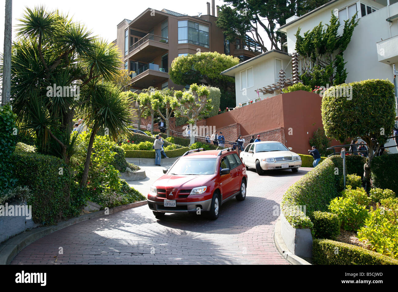 Downhill Lombard street - Stock Image