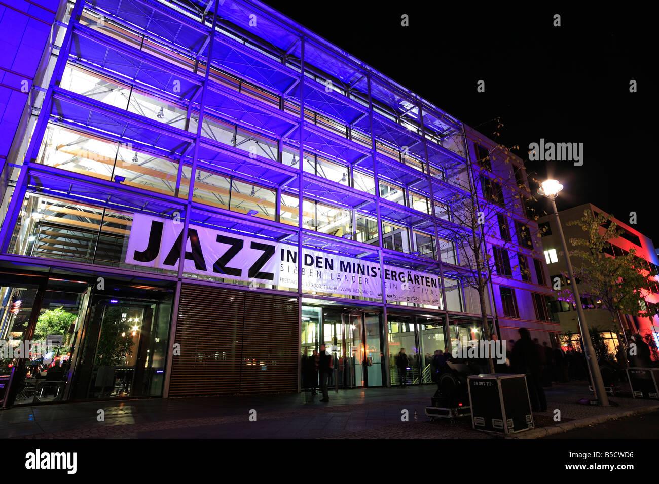 festival of the lights 2008 in Berlin; illuminated building; Jazz In den Ministergärten - Stock Image
