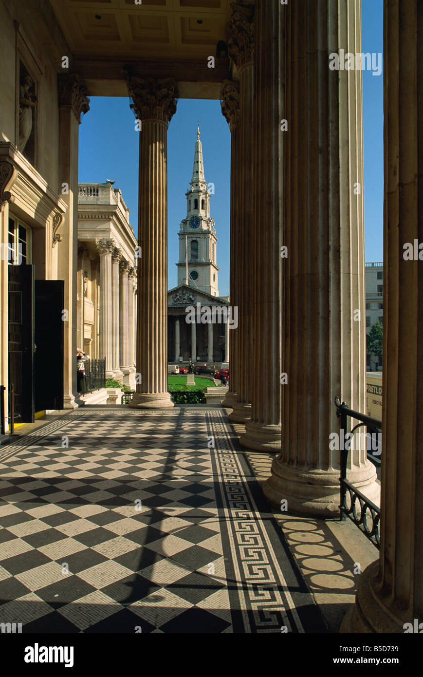 St. Martin in the Fields, seen from the National Gallery, Trafalgar Square, London, England, Europe - Stock Image