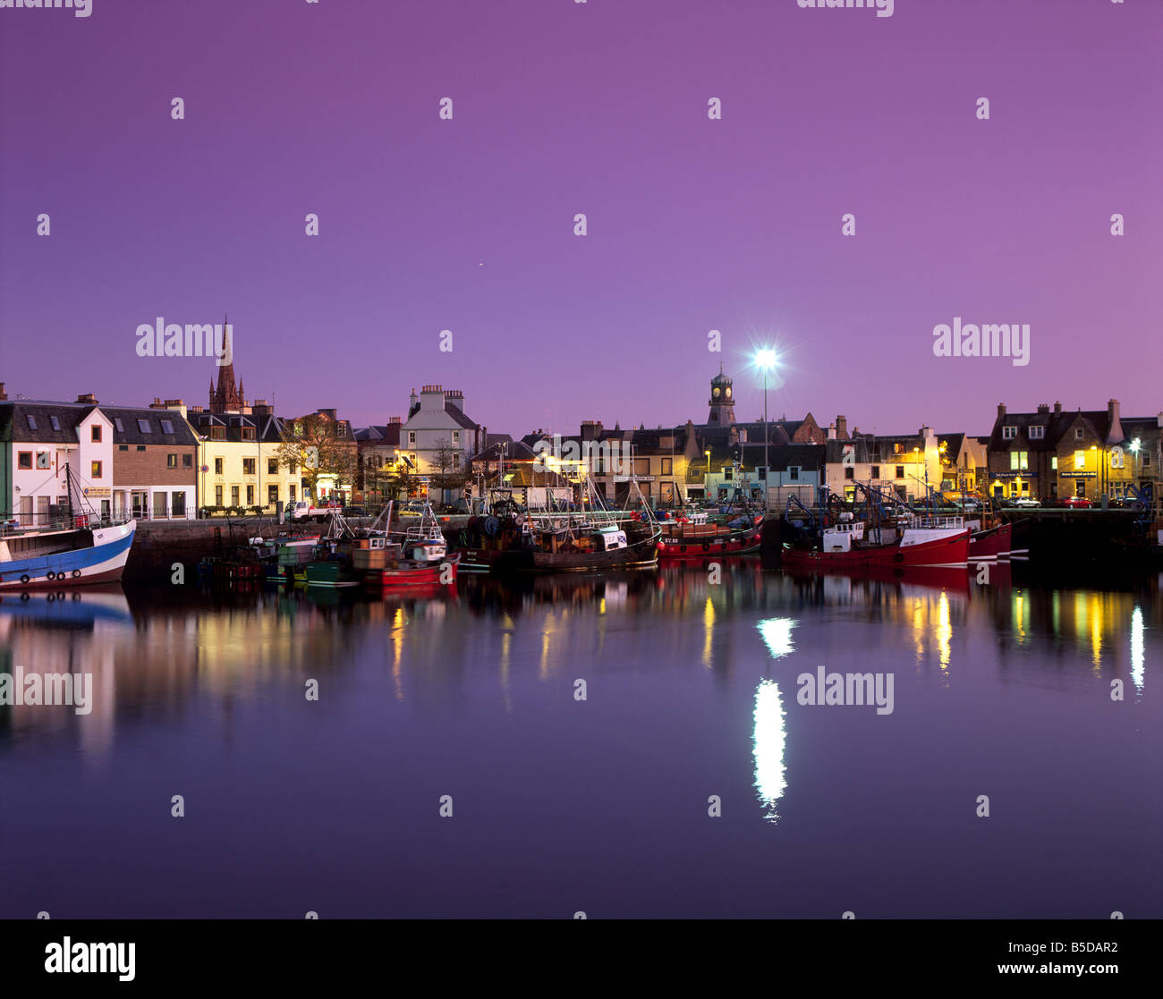 Stornoway (Steornabhagh) harbour at dusk, Lewis, Outer Hebrides, Scotland, Europe - Stock Image