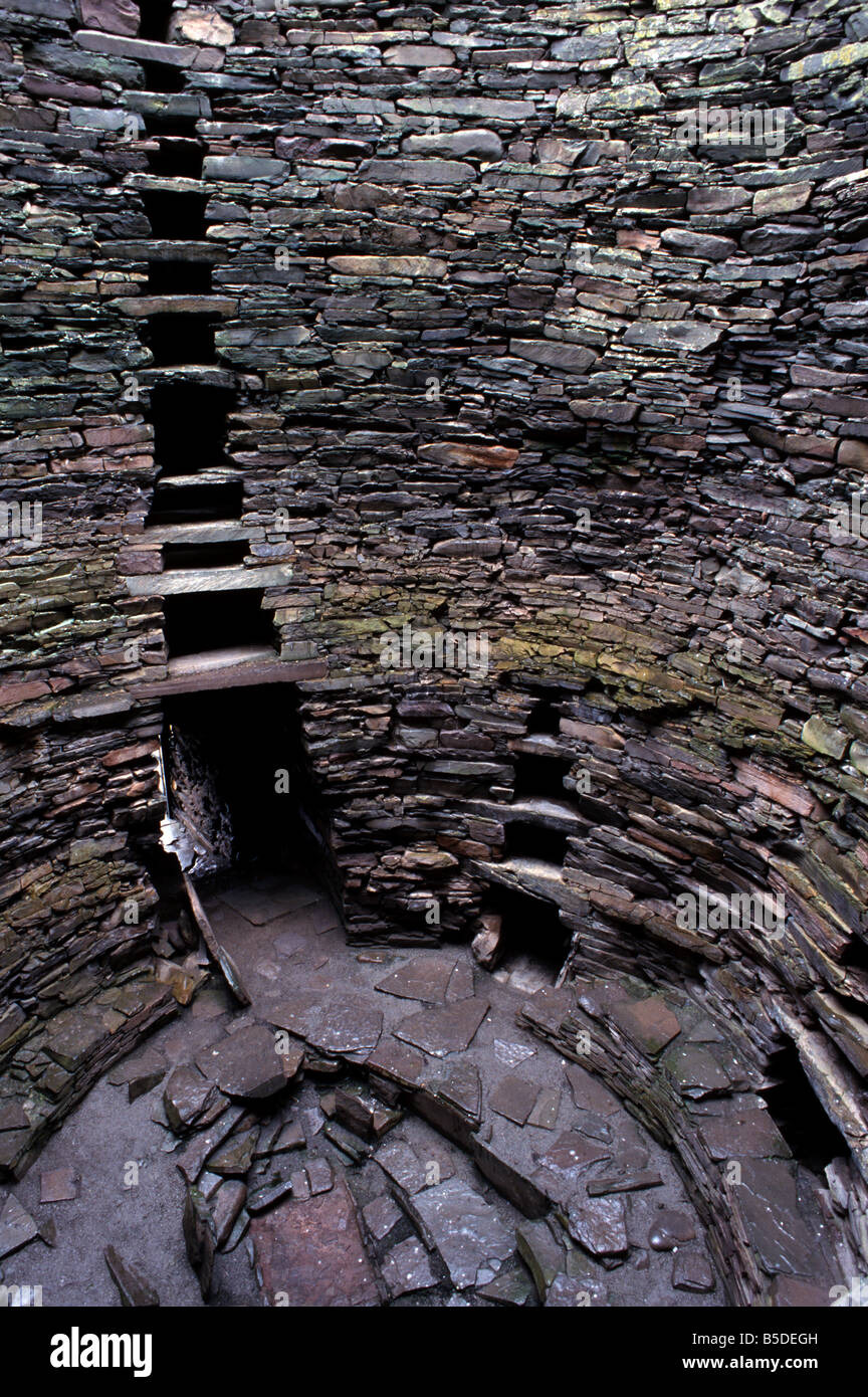 Hollow walls and water tank, Mousa Broch, best preserved of all brochs, Mousa Island, Shetland Islands, Scotland - Stock Image