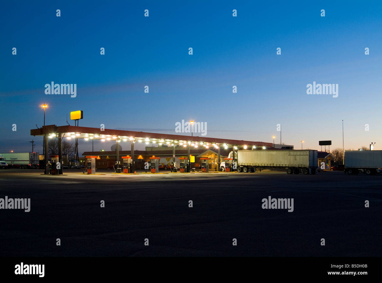 Gas Petrol Station With Truck Lorry At Sunrise, Sioux City, Iowa, USA Stock Photo