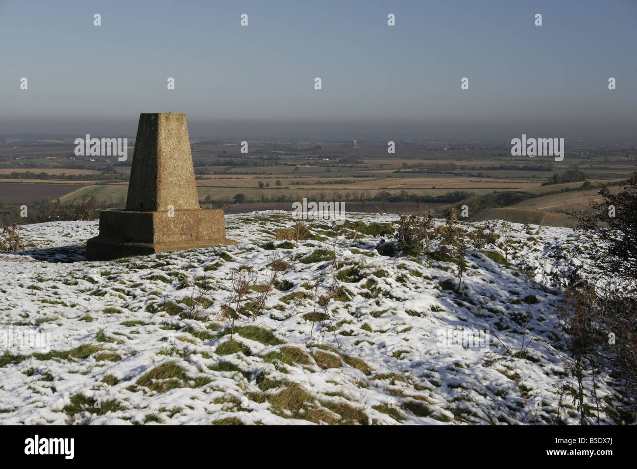 The summit of Deacon Hill in winter Bedfordshire Chilterns - Stock Image