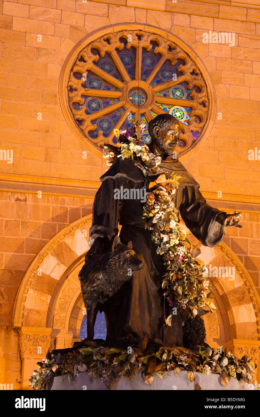 Statue of St. Francis of Assisi by Betty Sabo, St. Francis Cathedral, City of Santa Fe, New Mexico, USA, North America - Stock Image