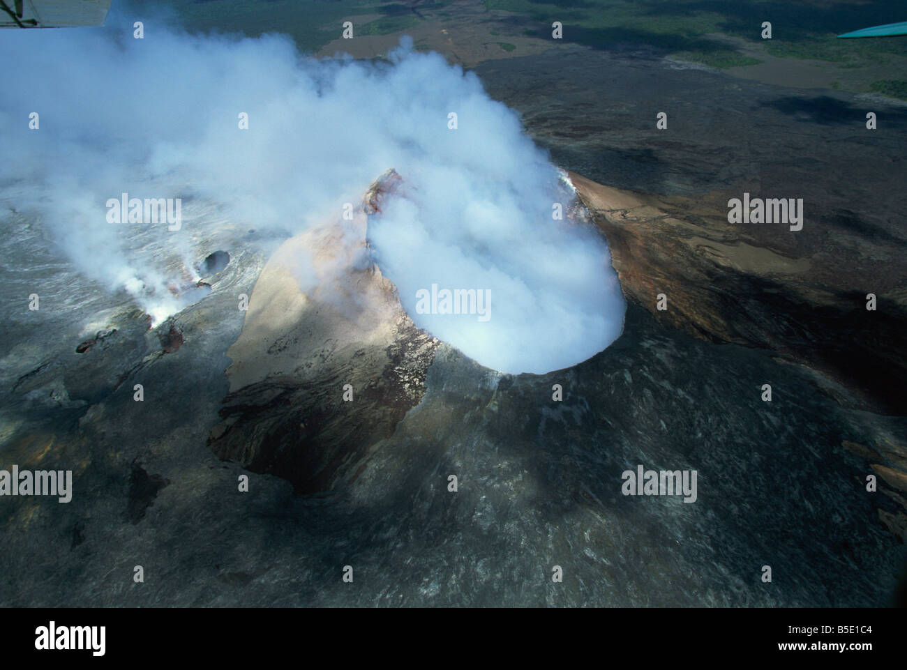The Pu'u O'o cinder cone, Kilauea volcano, Big Island, Hawaii, Hawaiian Islands - Stock Image