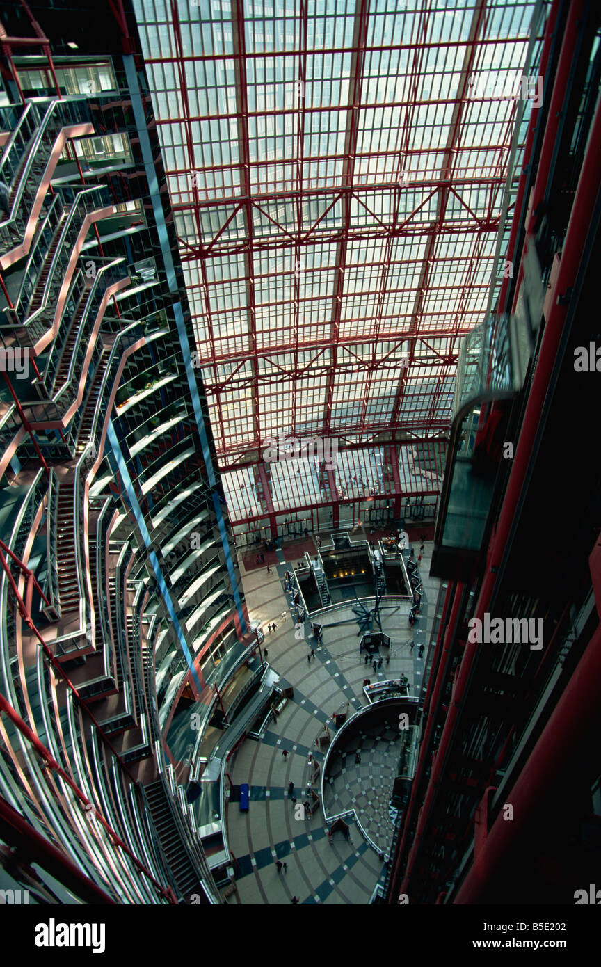 Looking down towards the atrium of the State of Illinois Building on La Salle Street, downtown Chicago, Illinois, - Stock Image