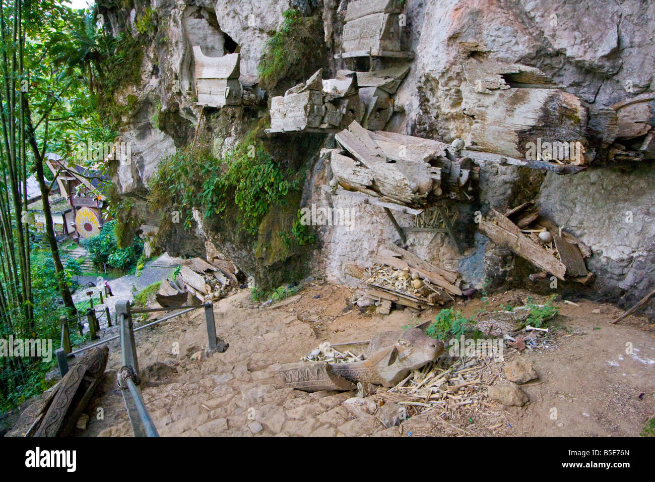 Cave Cemeteries at Kete Kesu in Tana Toraja on Sulawesi in Indonesia - Stock Image