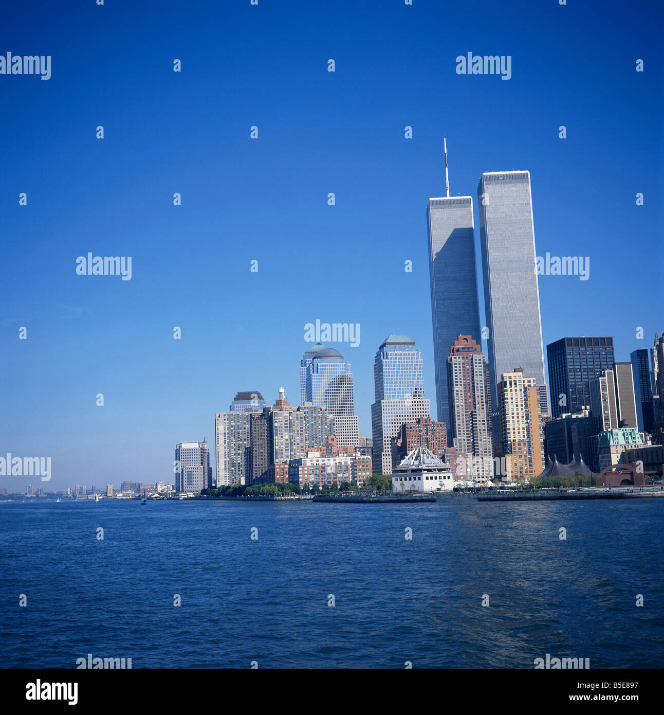 City skyline with Battery Park at the southern tip of Manhattan and the World Trade Center 100 stories 1350 ft tall - Stock Image