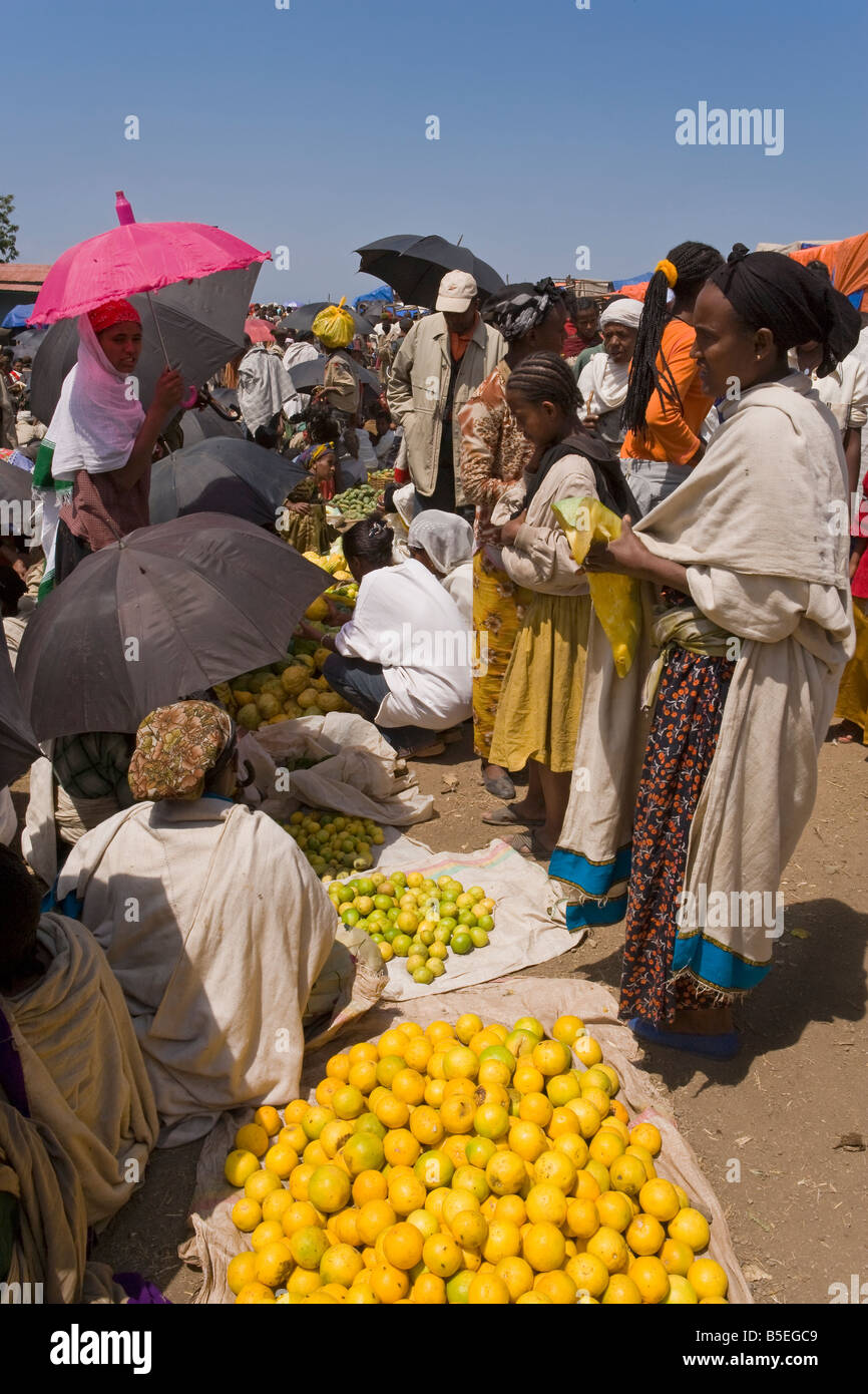 Africa, Ethiopia, Lalibela, Saturday market in Lalibela people walk for days to trade in this famous weekly market - Stock Image
