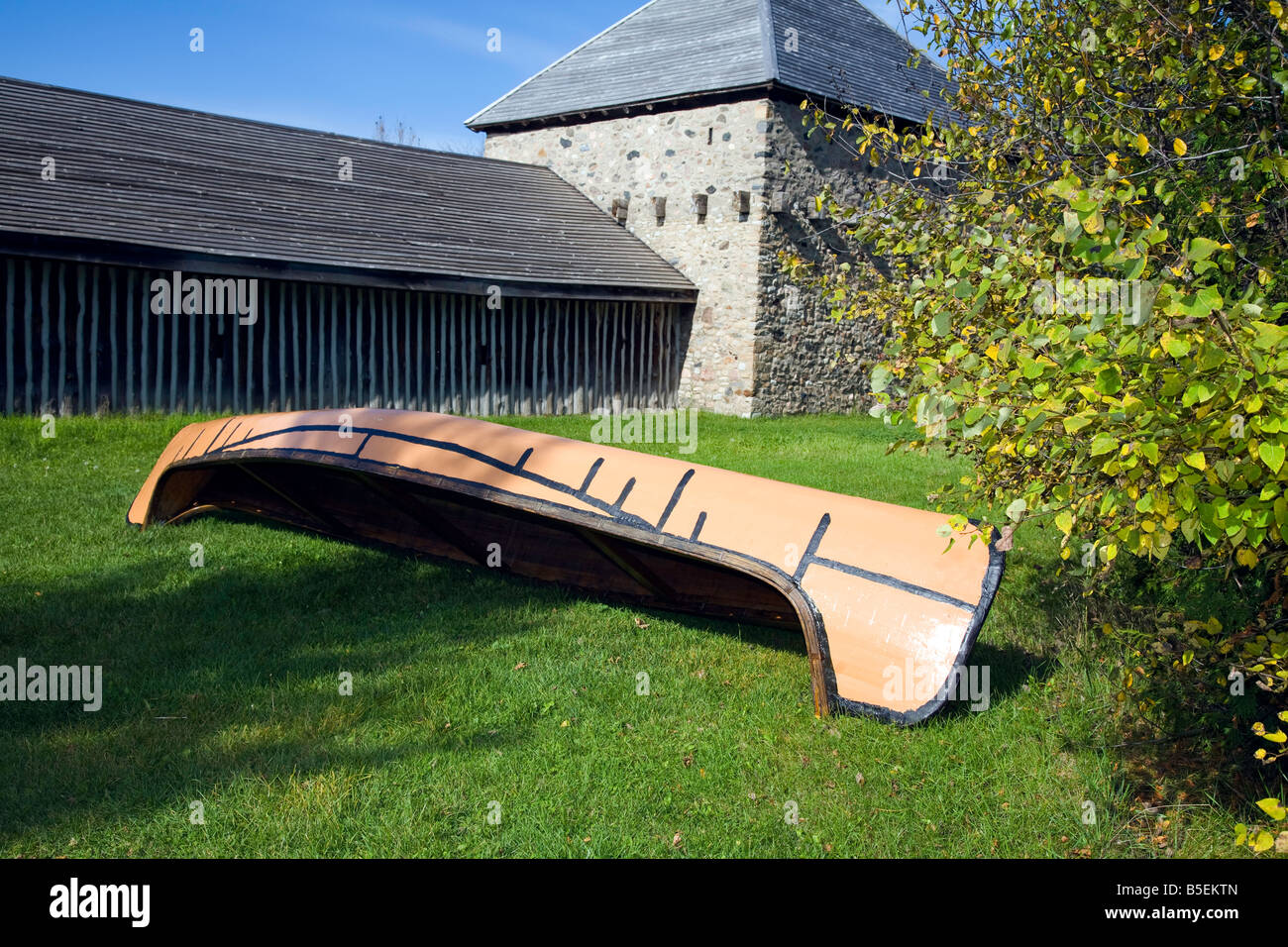 Canoe as used by the early Huron Indians in 1650-1700 on display at Saint-Marie among the Hurons in Midland Ontario - Stock Image