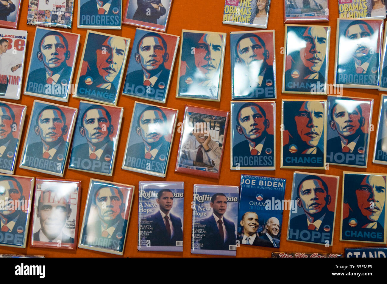 Barack Obama fridge magnets for sale by a street vendor - Stock Image
