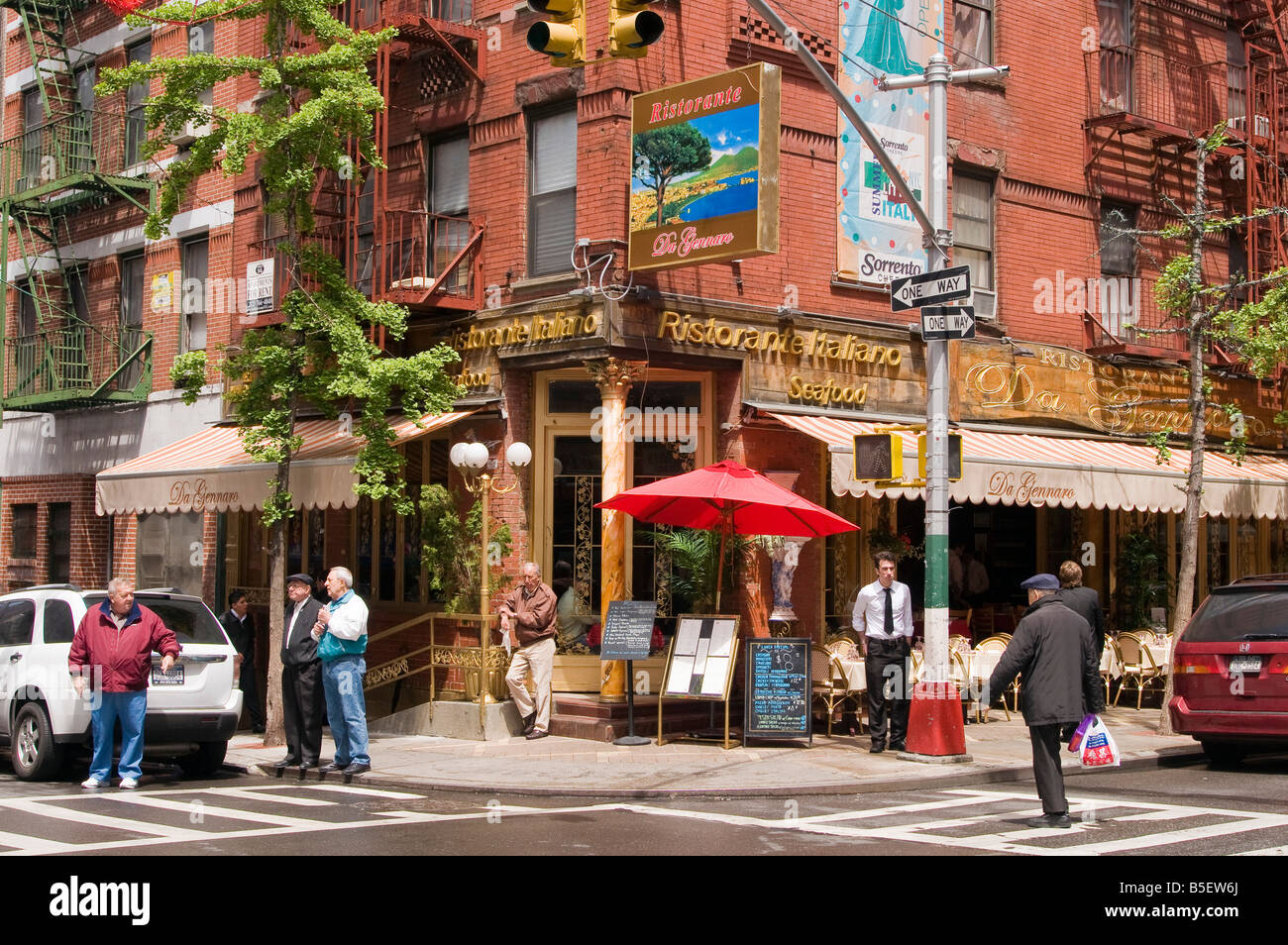 Italian Restaurants On Mulberry Street Little Italy New York