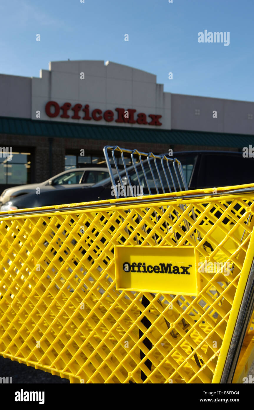 Office Max Shopping Cart And Store In Rochester Michigan Usa Stock